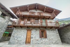 Apartments Mont Avic