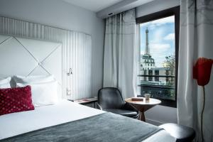 Double Room with Top Eiffel Tower View