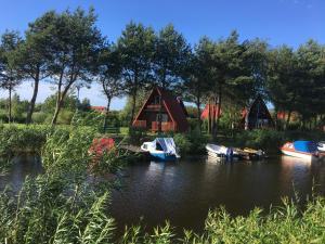 Stanica Wodna, Resort  Dźwirzyno - big - 44
