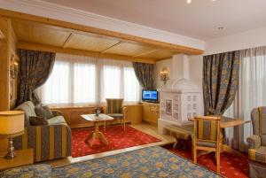 Alpen Hotel Corona, Hotely  Vigo di Fassa - big - 9