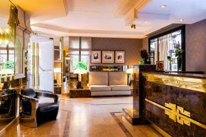 Privilège Hôtel Mermoz, Отели  Тулуза - big - 1