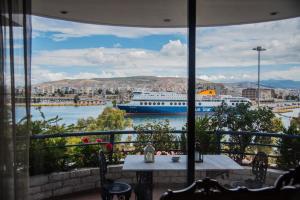 Luxury Apartment in Pireus