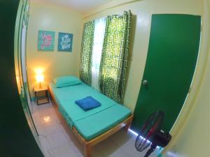 NoMadsMNL Backpackers Homestay, Priváty  Manila - big - 2