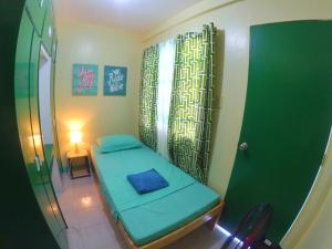 NoMadsMNL Backpackers Homestay, Priváty  Manila - big - 1