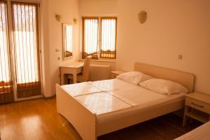 Apartments Mirage, Apartments  Novalja - big - 54