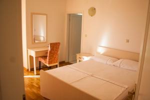 Apartments Mirage, Apartments  Novalja - big - 59