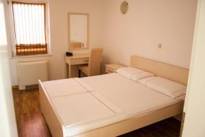 Apartments Mirage, Apartments  Novalja - big - 62
