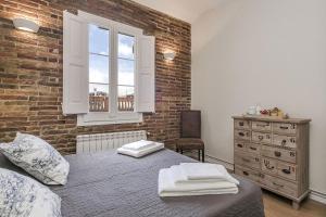 Three-Bedroom Apartment with Terrace - Attic - Pau Claris, 97