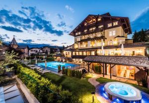Villa Kastelruth - AbcAlberghi.com