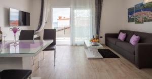Apartments The Seasons Residence, Apartments  Omiš - big - 30