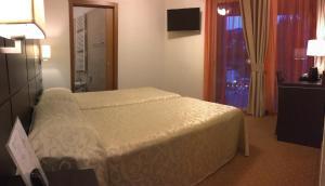 Hotel Villa Rosa, Hotel  Nago-Torbole - big - 11