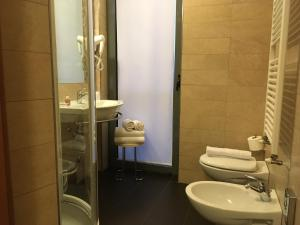 Hotel Villa Rosa, Hotely  Nago-Torbole - big - 9