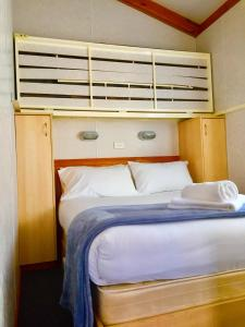 Bright Accommodation Park, Комплексы для отдыха с коттеджами/бунгало  Брайт - big - 14