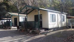 Bright Accommodation Park, Комплексы для отдыха с коттеджами/бунгало  Брайт - big - 15