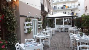 Hotel Helvetia, Hotels  Milano Marittima - big - 44