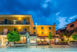 Hotel Alpino, Szállodák  Malcesine - big - 105