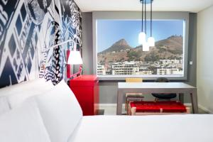 Radisson RED Hotel, V&A Waterfront Cape Town (2 of 58)