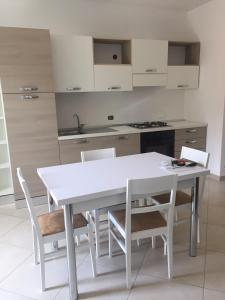 Casa Vacanze LERICI - MUGGIANO - AbcAlberghi.com