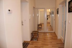 Holiday Apartment II, Apartmány  Karlove Vary - big - 39