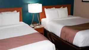 Quality Inn & Suites Near White Sands National Monument, Отели  Аламогордо - big - 13