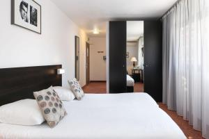 Quality Hotel Menton Méditerranée, Отели  Ментон - big - 21