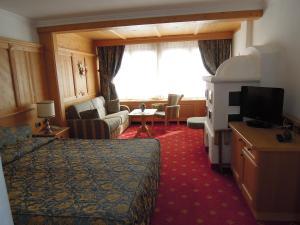 Alpen Hotel Corona, Hotely  Vigo di Fassa - big - 7
