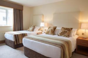 Four Seasons Hotel and Leisure Club