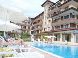 ApartComplex Rich 3, Апартаменты  Равда - big - 1