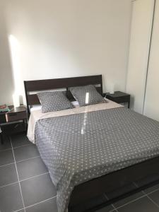 Les Patios du Vieux Port, Апартаменты  Марсель - big - 20