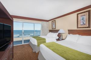Room with Two Queen Beds - Oceanfront - Non Smoking
