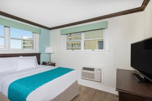 Suite with Three Double Beds - Non Smoking