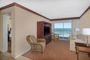 Ocean Front Two Bedroom Suite with King Bed and Two Double Beds - Non Smoking