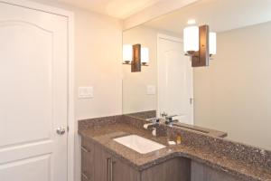 Town Plaza - Two-Bedroom Apartment - 4314 Main Street - Unit 429