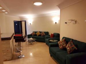 Nile Hunters Suites & Apartments, Szállodák  Kairó - big - 5