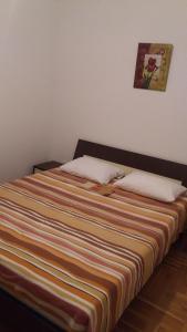Apartment Sara, Apartments  Petrovac na Moru - big - 19