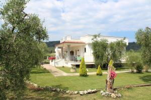 Piana dei Greci - AbcAlberghi.com