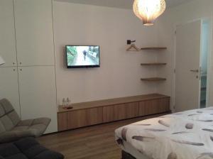 Hotel Pluimpapaver, Левен