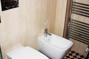 Appartamento Trilocale, Apartmanok  Paderno Dugnano - big - 20