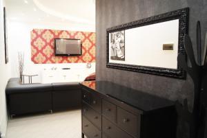 Appartamento Trilocale, Apartmanok  Paderno Dugnano - big - 53
