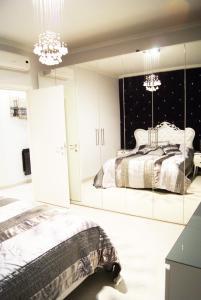 Appartamento Trilocale, Apartmanok  Paderno Dugnano - big - 60