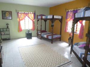 Cama em Dormitório Misto com 4 Camas