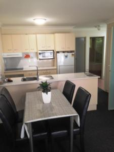 Beaches Serviced Apartments, Aparthotels  Nelson Bay - big - 45