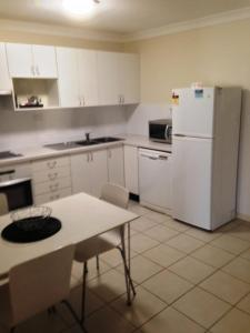 Beaches Serviced Apartments, Aparthotels  Nelson Bay - big - 49