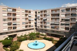 Appartement Le Mona Lisa, Apartmány  Cagnes-sur-Mer - big - 16