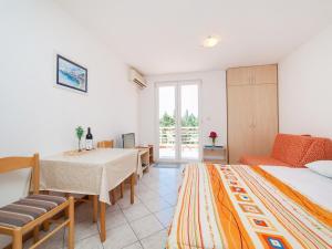 Apartments NICE, Apartmány  Petrovac na Moru - big - 31