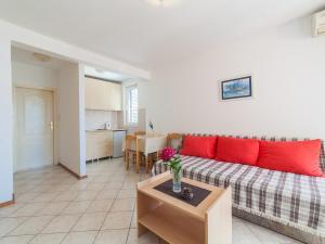 Apartments NICE, Apartmány  Petrovac na Moru - big - 11