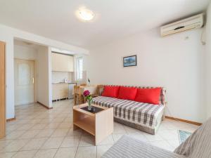 Apartments NICE, Apartmány  Petrovac na Moru - big - 3