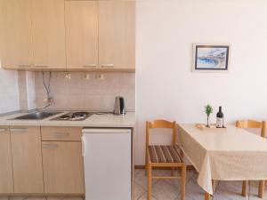 Apartments NICE, Apartmány  Petrovac na Moru - big - 35