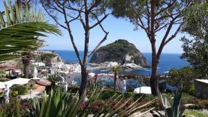 Casa Adolfo Ischia - AbcAlberghi.com