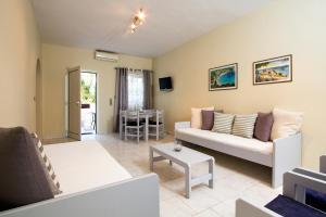 Balito, Residence  Kato Galatas - big - 18